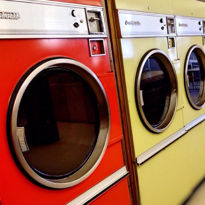 laundromat-928779_1920