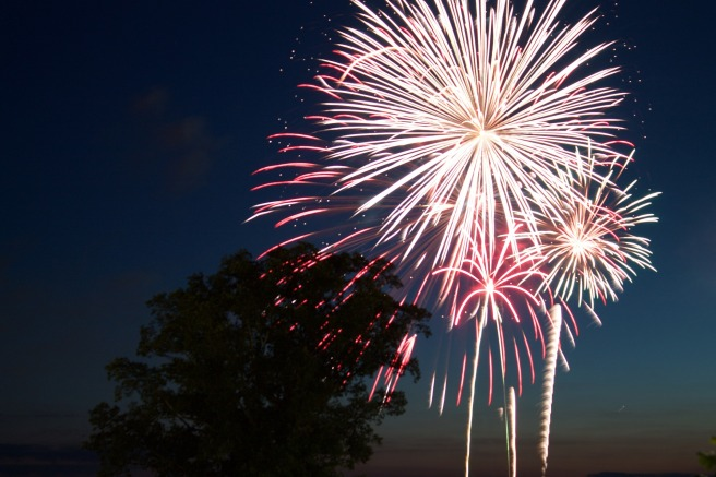 fireworks-812879_1920