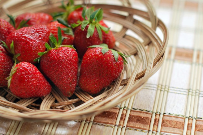 strawberry-1180048_1920